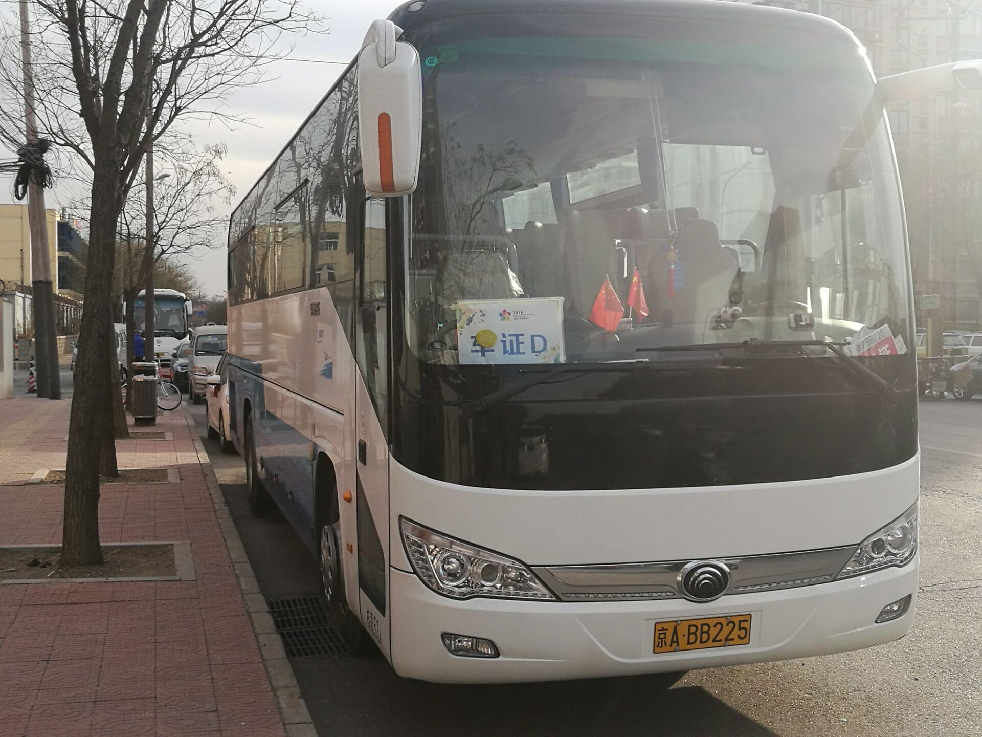 北京班车租赁公司租车业务显现黄灯-北京易恒达租车公司